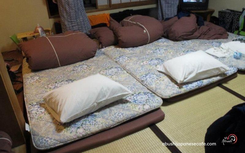 การเดินทางของ Abushi เที่ยวญี่ปุ่น เสื่อตาตามิ นอนแบบญี่ปุ่น